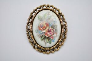 Vintage-Antiqued-Porcelain-Painted-Brooch-Pin-Pendant-Gold-Tone-Costume-Jewelry