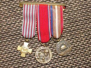 Lot-de-3-medailles-reductions-WW1-Croix-du-Combattant-Verdun-Revillon-UNC