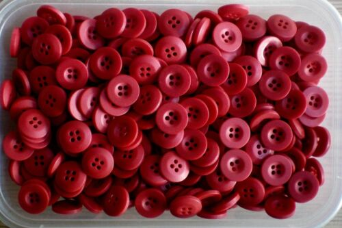 Petit 15 mm 24 L rouge framboise BERRY 4 trous Satin Boutons carte artisanat 10 50 100 Z17