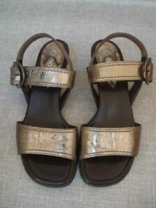 9a9c85575bc7 Image is loading GABOR-UK-4-GOLD-CRACKLED-LEATHER-LOW-HEEL-