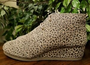 7e3fccb97bd TOMS WOMEN S DESERT WEDGE SUEDE CHEETAH LEOPARD ANKLE BOOTS SIZE 6 ...