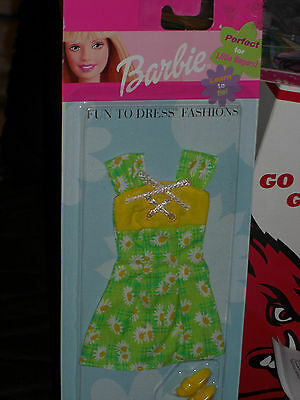 1999 BARBIE FUN TO DRESS FASHIONS Green Floral PRINT BARBIE OUTFIT Shoes 111704