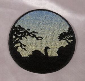 Embroidered-Swan-On-Water-At-Sunrise-Silhouette-Ombre-Circle-Patch-Iron-On-Sew