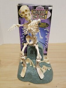 "Vtg 1998 GEMMY Halloween  ""DANCING SKELETON on Tomb""  Animated Figure w/box"