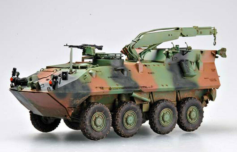 USMC LAV-R LIGHT ARMORED VEHICLE RECOVERY 1 35 tank Trumpeter model kit 00370