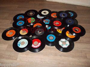 konvolut 50 schallplatten 7 inch f r deko ihrer w nde u s w dekoschalplatten ebay. Black Bedroom Furniture Sets. Home Design Ideas