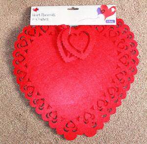Conjunto-de-2-dia-de-San-Valentin-Corazon-Forma-Manteles-Individuales-amp-Posavasos-Set-lazercut