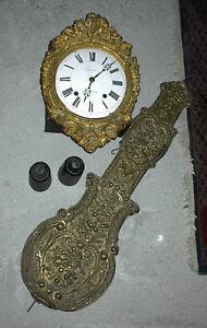 Burgunder Uhr mit Gewichten, Messing Zifferblatt, um 1880,