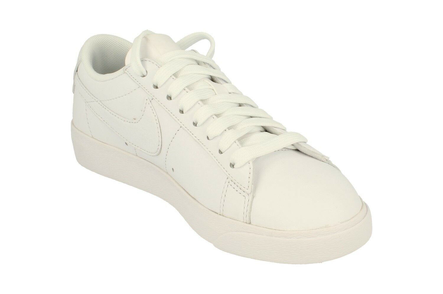 Nike Womens Blazer Low Le Trainers Trainers Trainers Aa3961 Sneakers shoes 104 c774c8