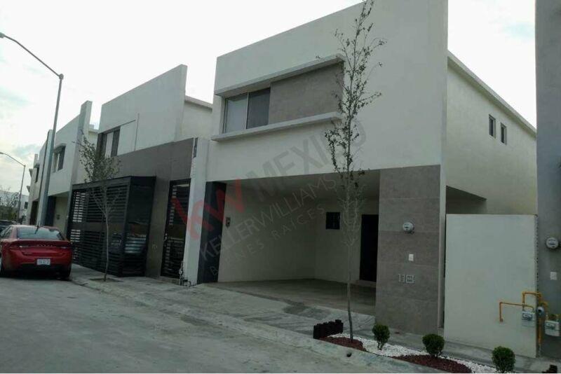 Casa nueva equipada en Renta, Fraccionamiento con amenidades cerca de Av. sendero
