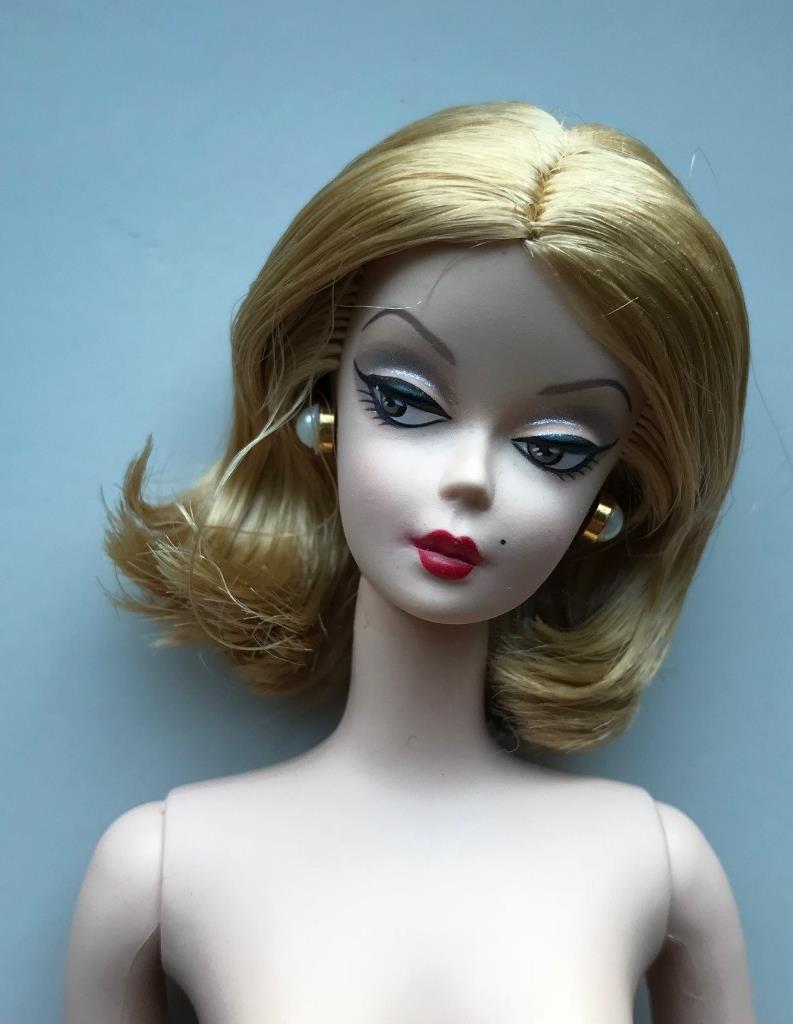 2007 rojo Hot opiniones desnudo restyled de pelo de muñeca Barbie Silkstone  oro Label  Como Nuevo