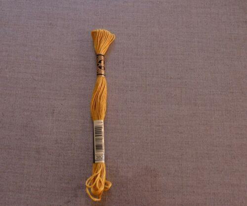 DMC 3820 Orange Clair Rouille Stranded SOIE Fil à broder NEUF