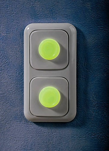 Leuchtpunkte 4 er set selbstklebende Flurozierender Kunststoff  Helfer  Neu R2