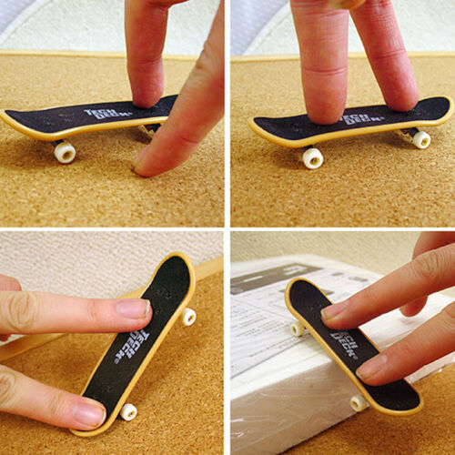 2PCS Mini Finger Board Skateboard Novelty Kids Boys Girls Toy for Party T/_ST MO