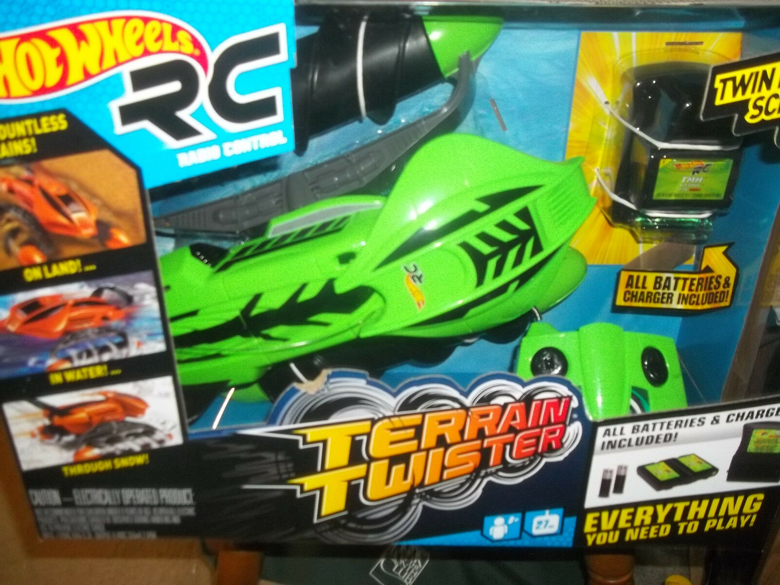 New Hot Wheels Radio Control Terrain Twister Land & Water RC Remote Green