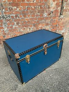 LARGE-VINTAGE-MID-CENTURY-BLUE-TRAVELLING-TRUNK-CHEST-BY-MOSSMAN-STORAGE-BOX