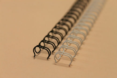 """3//8/"""" Black 3:1 Pitch Twin Loop Wire Binding Spines"""