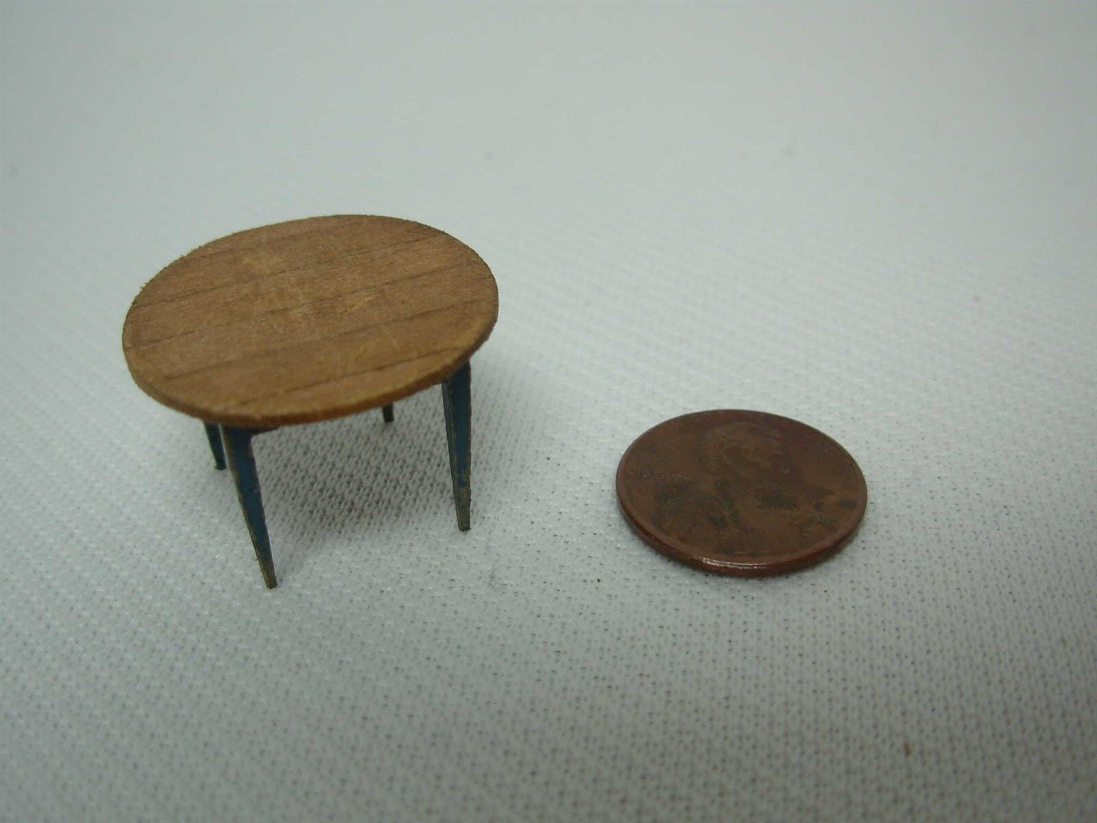 1990 ARTISAN SIGNED BETH GILL DOLLHOUSE MINIATURE TINY RUSTIC WOOD TABLE 5 8