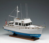 Genuine Amati Model Ship Kit: The grand Banks 46'  -rc Convertible