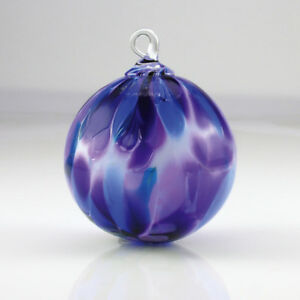 Glass-Eye-Studio-VIOLET-FEATHER-CHIP-Hand-Blown-Art-Glass-Rnd-Christmas-Ornament