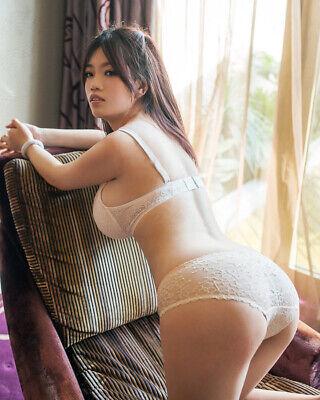 Hot asian booty