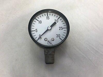 30 Psi Ashcroft Pressure Gauge Een Plastic Behuizing Is Gecompartimenteerd Voor Veilige Opslag