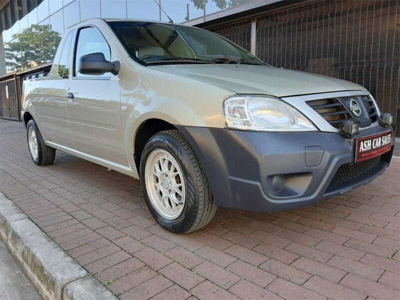 2011 Nissan NP200 1.6 8V A/C