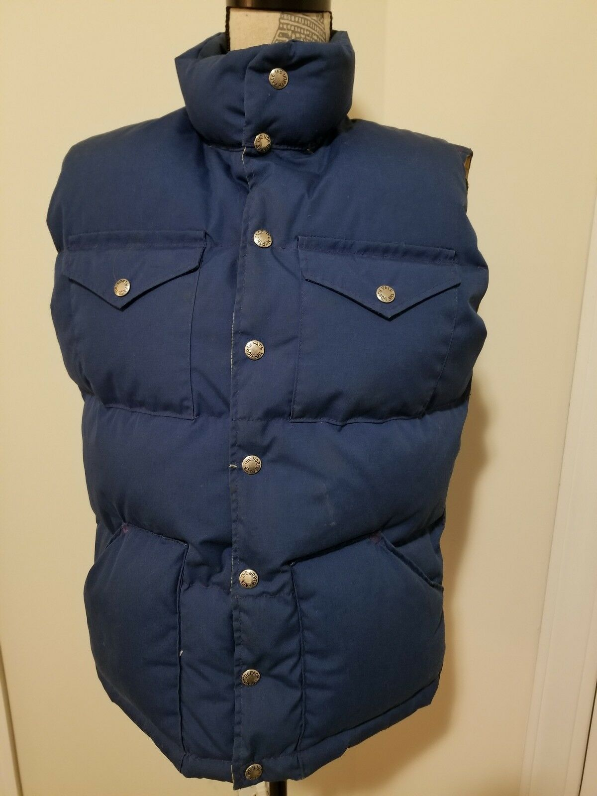 The North Face VINTAGE Puffer Puffy Vest Down Filled Size Small Blue Tan inside