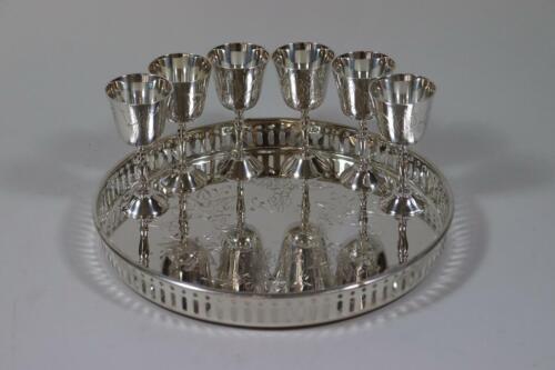 6x Schnapsbecher Becher mit Tablett silbernes Metall ziseliert verziert RK226