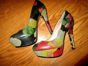 Betsey-Johnson-Corset-Platform-Heels-Ditan-Multi-Colored-Floral-Net-Sz-8-5