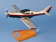 Lancair 360,  1:18., Modellflugzeug, Standmodell Fertigmodell Flugzeug