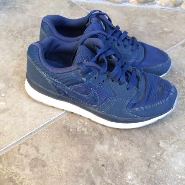 100% Vero Linea Donna Blu Navy Blue Scarpe Da Ginnastica Nike Air Uk 5.5 Wind Runner Scarpe Da Ginnastica Sport Sconti Prezzo