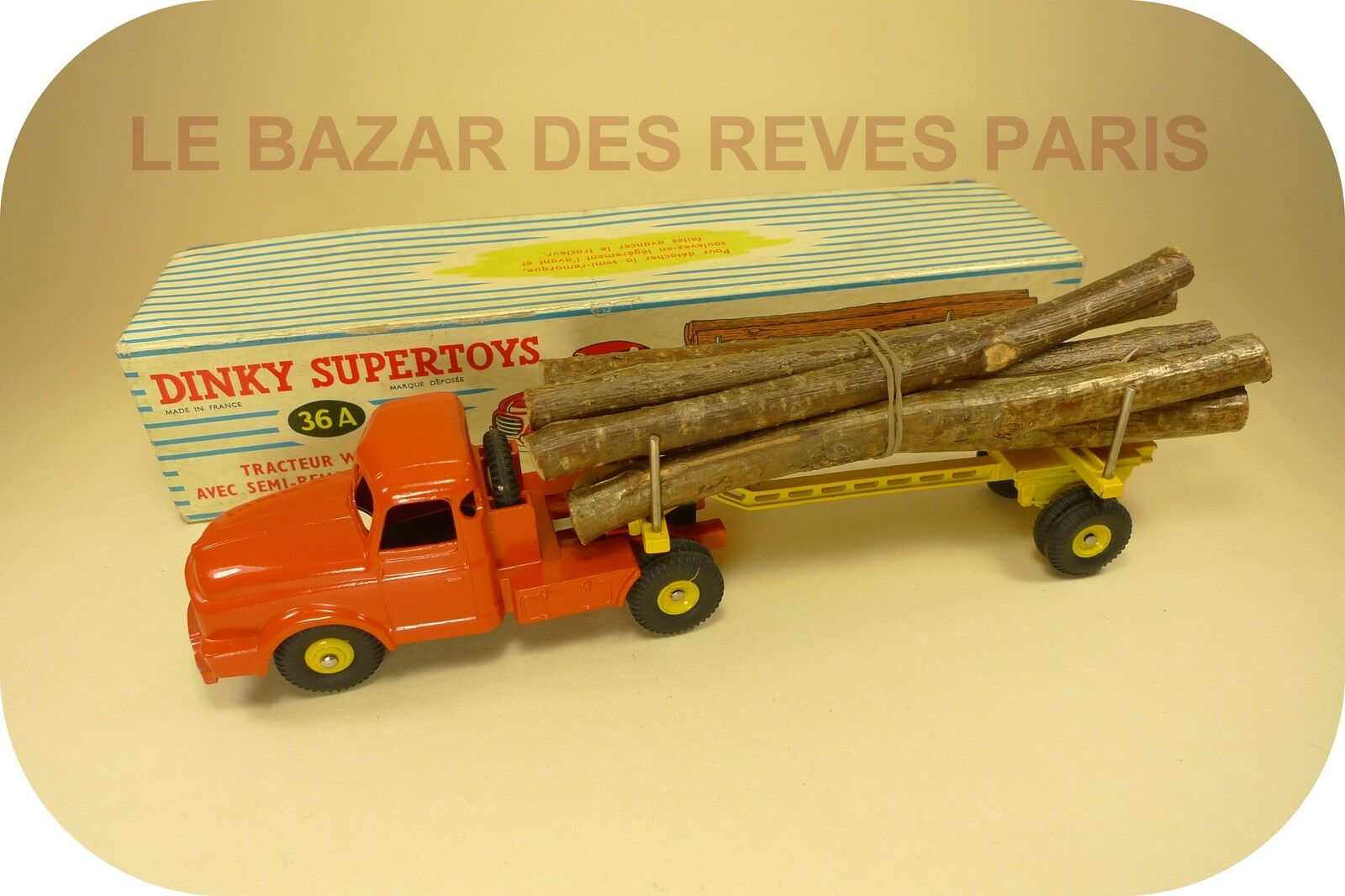 Dinky toys france. tractor anaid timber trailer. ref  36a + box