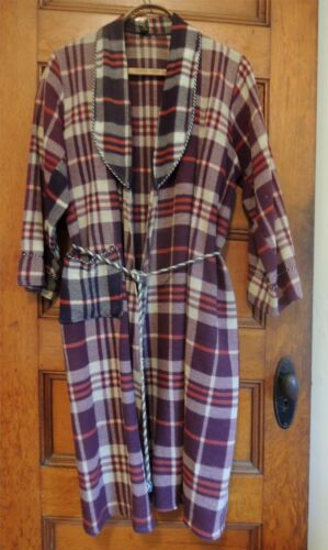 Vintage Beacon Robe  1930s / 1940s Plaid Blanket T