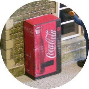 OO-GAUGE-COKE-COLA-DRINK-VENDING-MACHINE-HORNBY-MODEL-RAILWAYSTATIONLAYOUT00