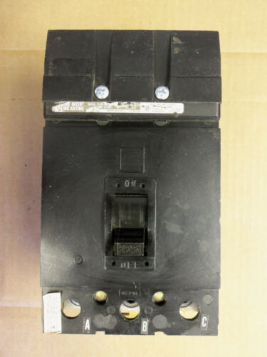 SQUARE D Q2 Q232225 3 POLE 225 AMP BREAKER CHIPPED BODY AND CROWN BLACK FACE