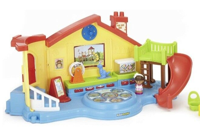 Fisher-Price Little People Place Musical Preschool