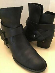 Uggs Australia Elysian women black leather boots 1095792 US Size 7.5 medium