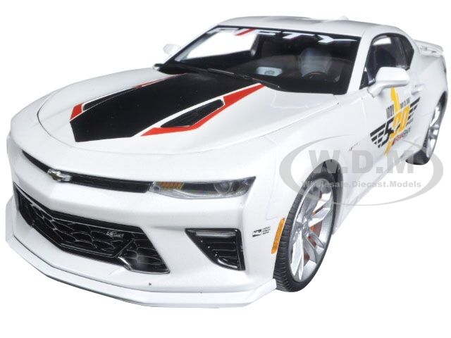 2017 Chevrolet Camaro SS INDY PACE CAR 50TH ANNIV Limited 1002 1 18 AutoWorld AW236