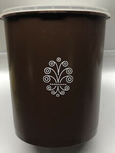 Vintage-Tupperware-Canister-Set-3-Servalier-Chocolate-Brown-Clear-Lids-Retro