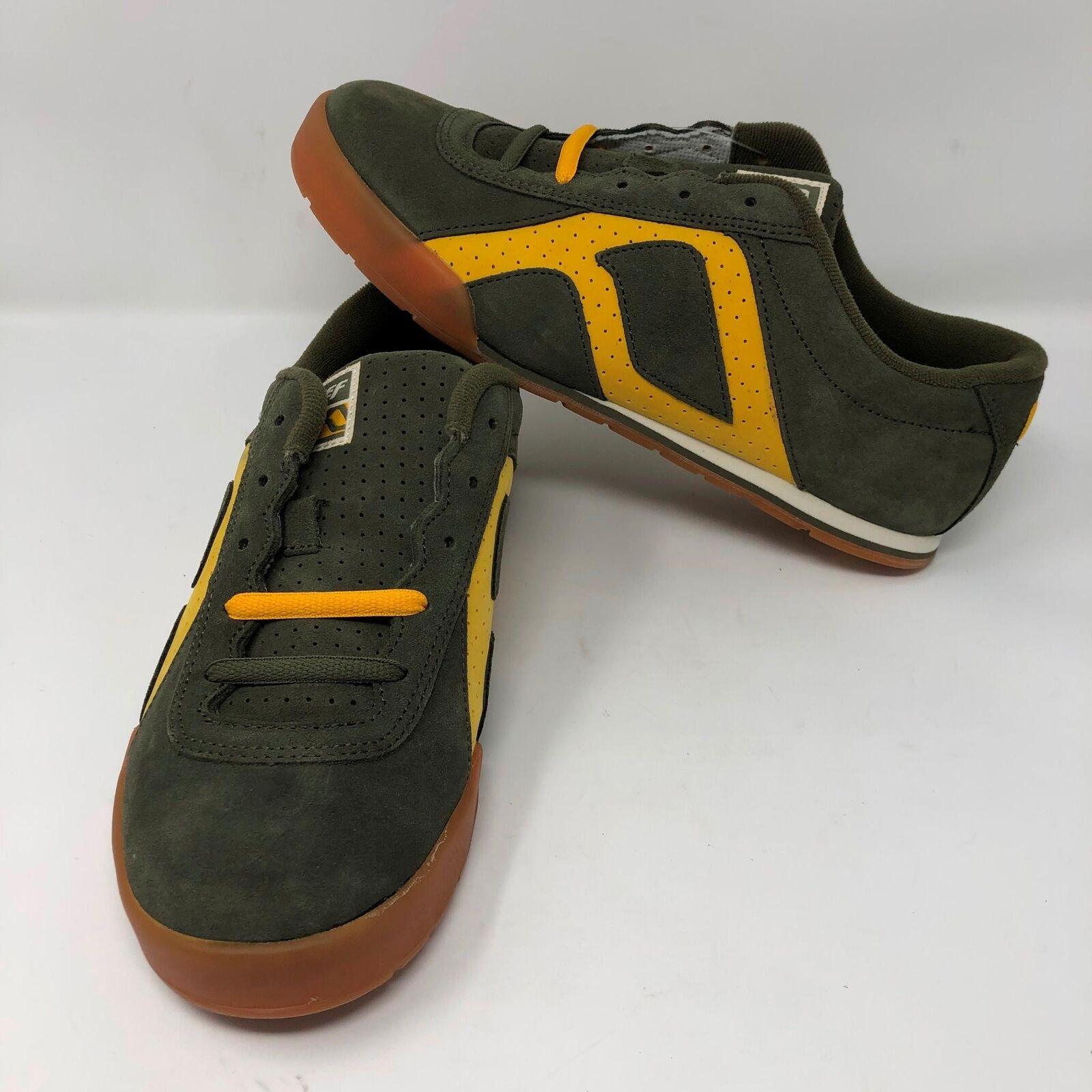 il più economico VTG NWT NWT NWT Reef Uomo Deadstock Clutch Leather verde scarpe Sz 10 Surf Skate  in vendita scontato del 70%