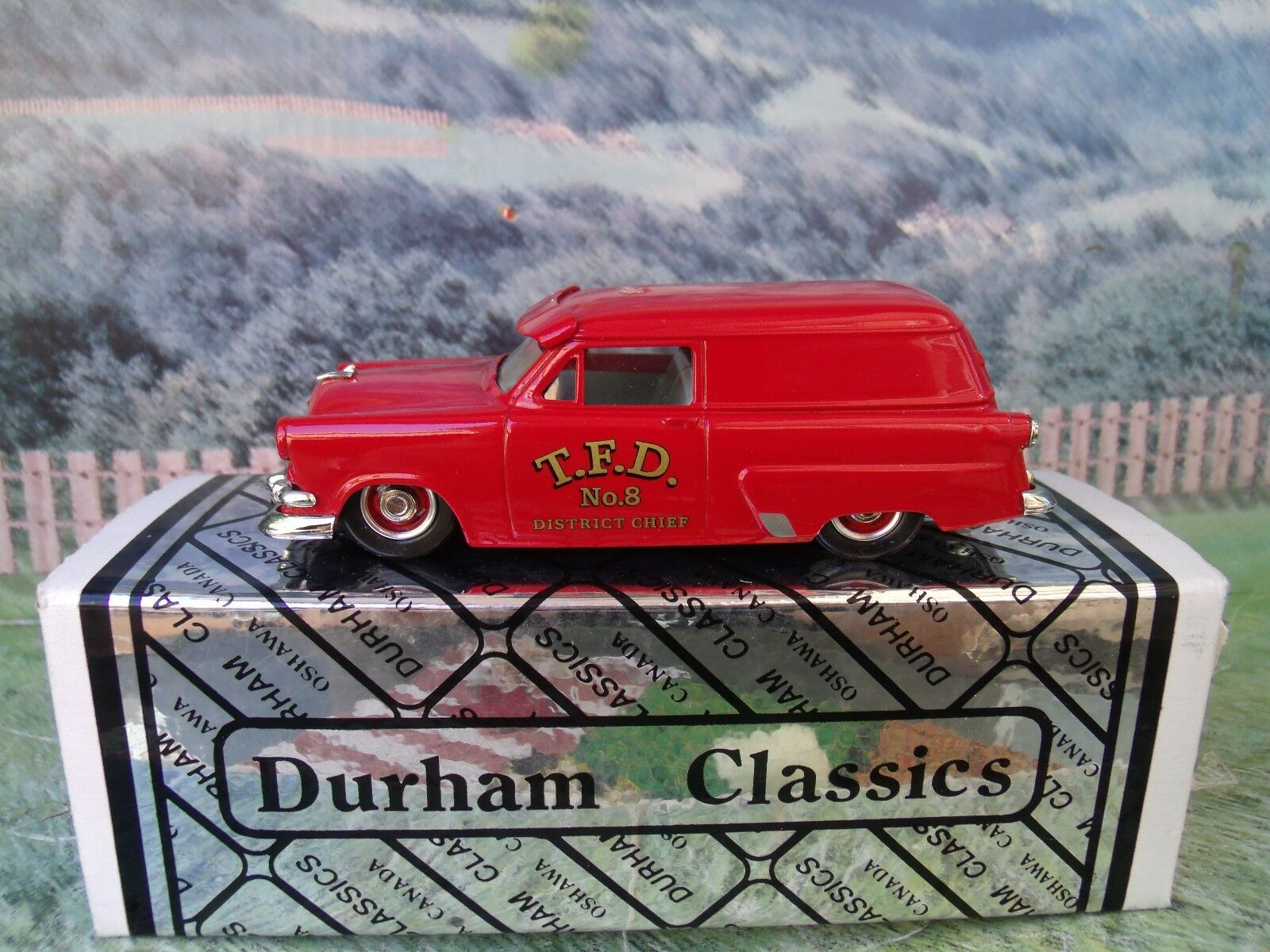 1/43  Durham classics Ford courier 1954 Fire 1 of 300