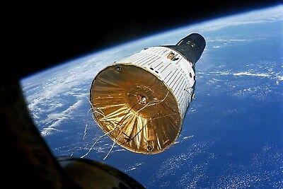 New 5x7 Nasa Photo: Gemini Vi Spacecraft As Seen In Space From Gemini Vii
