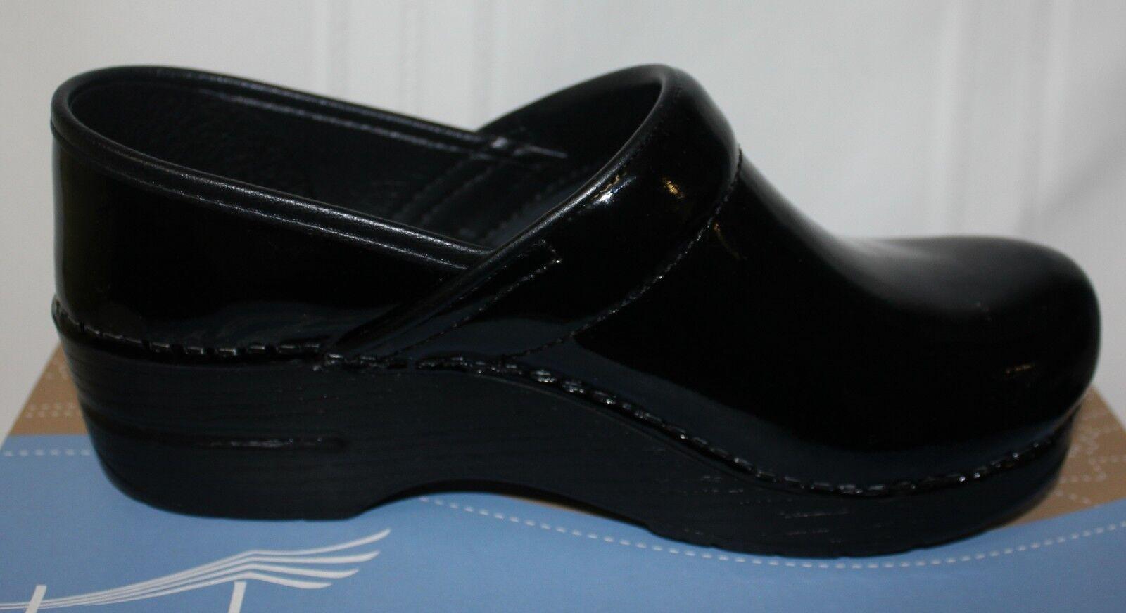Anne Klein Women's Kamy Velvet Flat Loafer Flat Velvet ebbdce