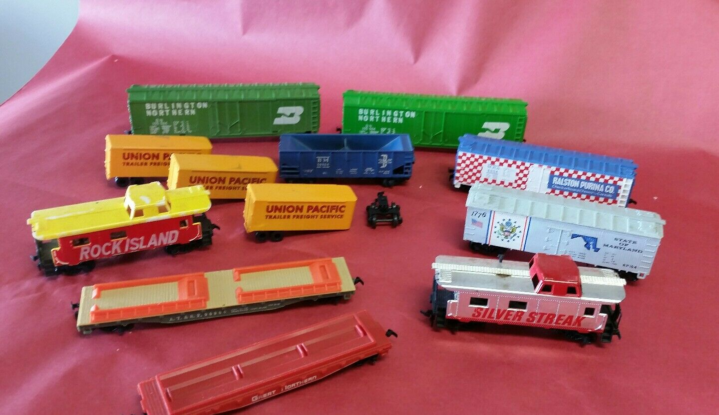 Lot of 12 Miscellaneous Toy Train cars
