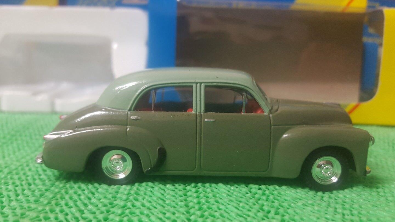 1 43 scale Trax Top Gear Holden FJ Sedan Dark Green   Light Green Top TR01