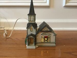 Lemax Hearthside Village Collection 1994 Porcelain Lighted Church
