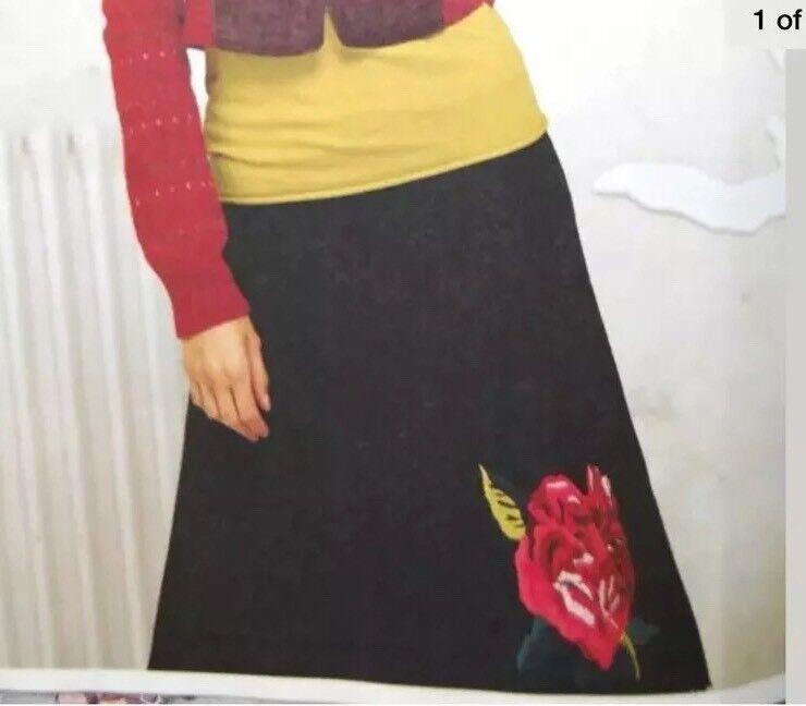 2007 RARE Anthropologie pink Splendor Sweater Skirt By purple - Small