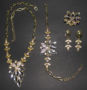 Collier-Set-4-teilig-Collier-Armband-Ohrringe-Ring-vergoldet-Brautschmuck-Neu-2