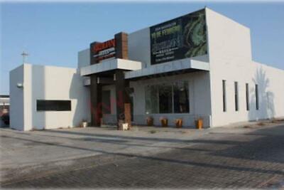 Local Comercial en Renta sobre Calzada Cetys en Zona Dorada